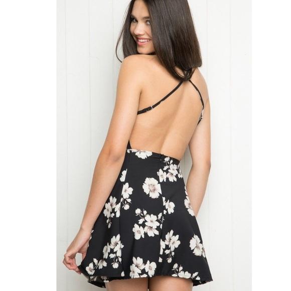 Brandy Melville Dresses & Skirts - Brandy Melville black and white floral dress